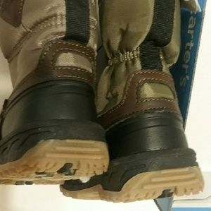 Carter's Shoes - Carter's toddler size 6 boots